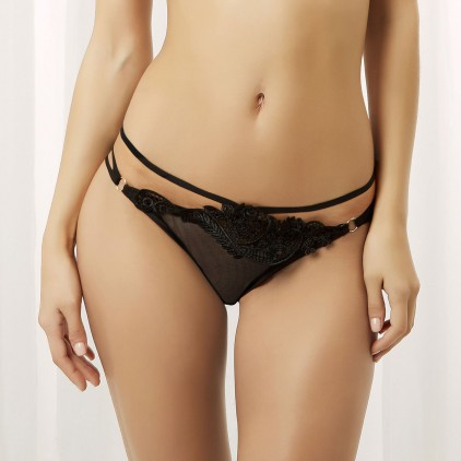 Culotte_sexy_ouverte_sur_les_fesses_Julienne_de_bluebella