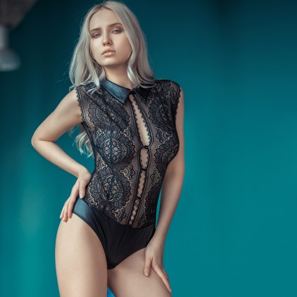 Body_sexy_dentelle_et_wetlook_clandestine_de_Jolidon