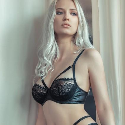 Soutien_gorge_sexy_dentelle_et_wetlook_Jolidon