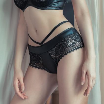 Shorty_sexy_en_dentelle_et_wetlook_Jolidon