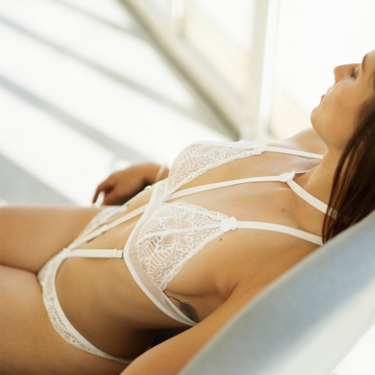 Body_Modulable_Bonnets_Triangle_&_String_Ouvert_avec_Harnais_Amovible_Collection_Exclusive_Paradise_Boutik